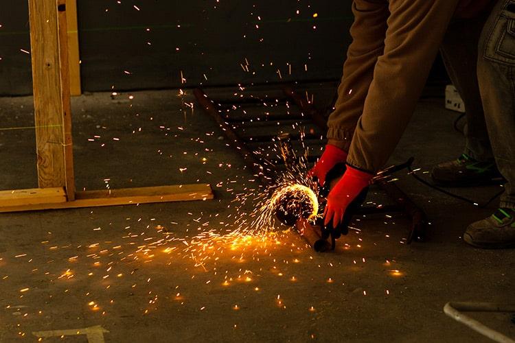 Cortar hormigón con amoladora: ¿es posible?
